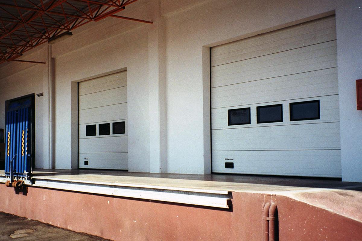 Βιομηχανικές Πόρτες με Ράμπες