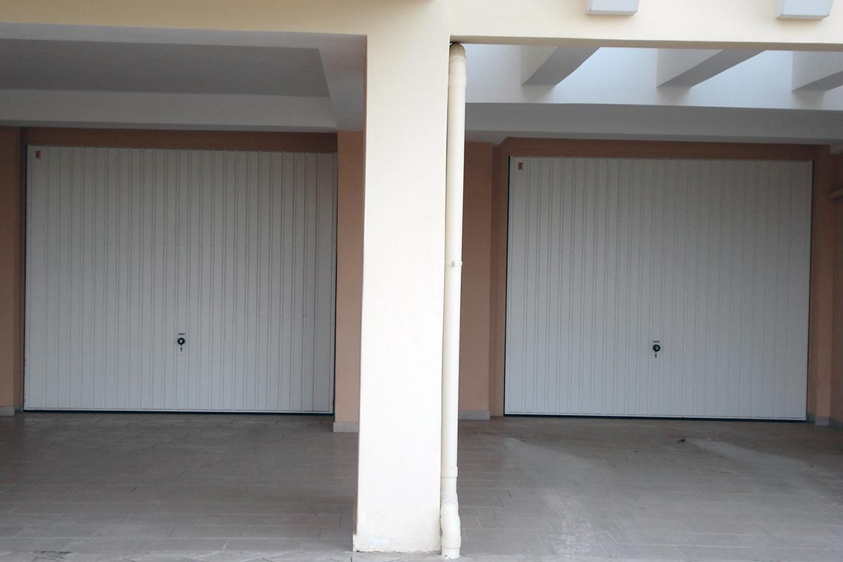 Μονοκόμματες Πόρτες Γκαράζ