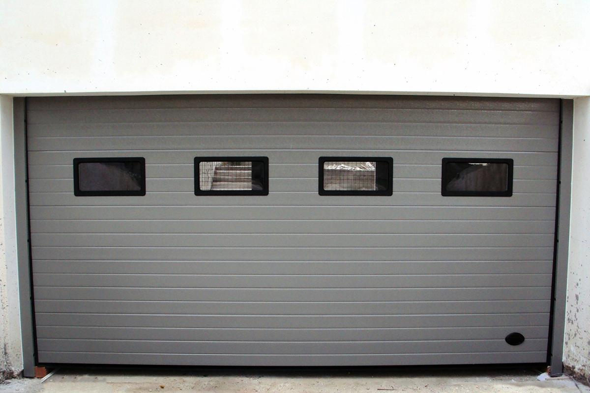 Πολύσπαστη Πόρτα με Φεγγίτες