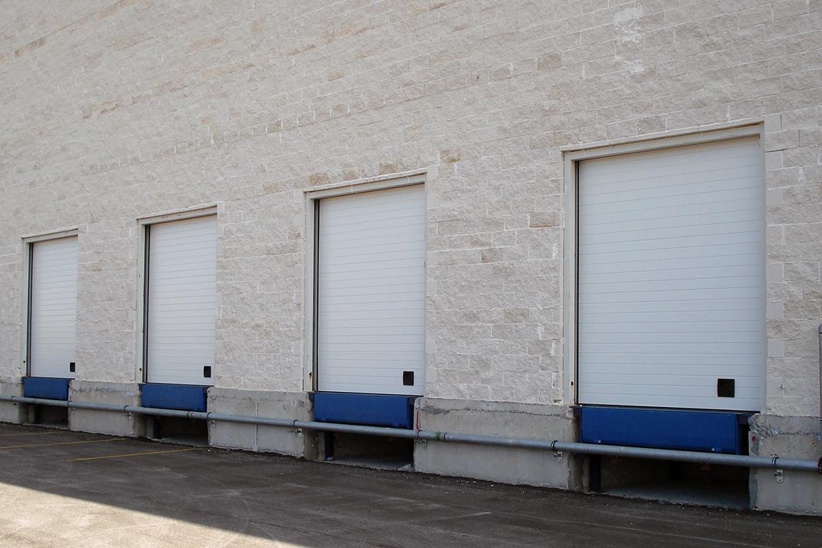 Βιομηχανικές Πόρτες & Ράμπες